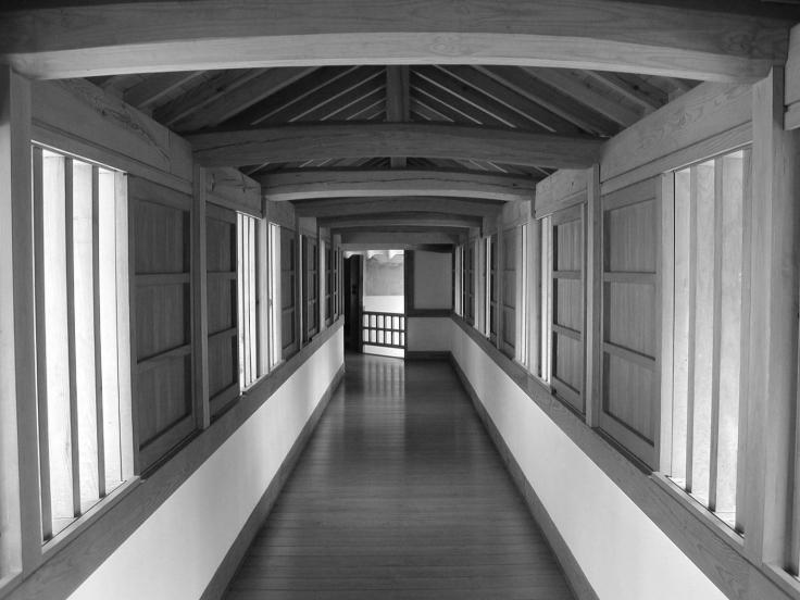 himeji-hallway-1232514.jpg